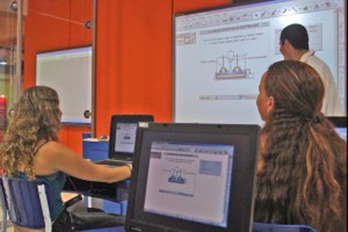 Formação do professor e o uso da internet 37