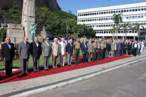 Exército Reafirma Compromisso com a Democracia 25