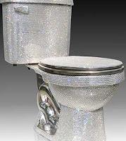 Vaso sanitário é vendido por US$75 mil 55