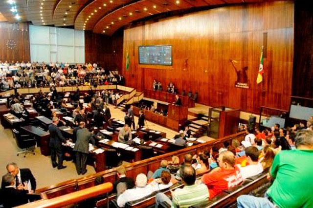 Uma Estreia Brilhante no Parlamento Gaúcho 33