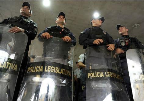 A Polícia Legislativa Federal é a designação única para dois órgãos policiais distintos que atendem às Casas do Legislativo Federal, ou seja, ao Senado Federal e à Câmara dos Deputados.