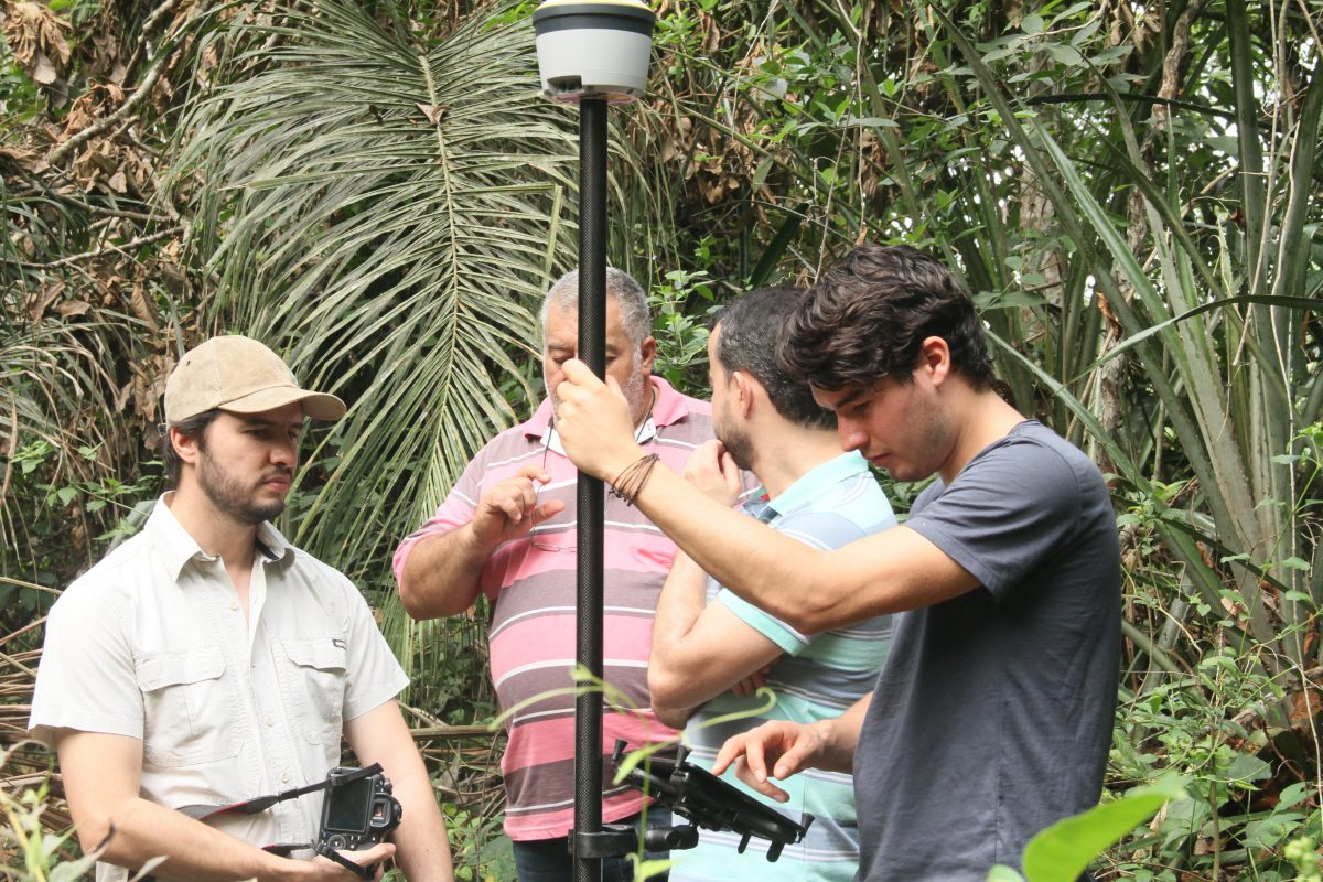 Pesquisadores sugerem sistema de navegação por satélite para a regularização de terras no Brasil 25